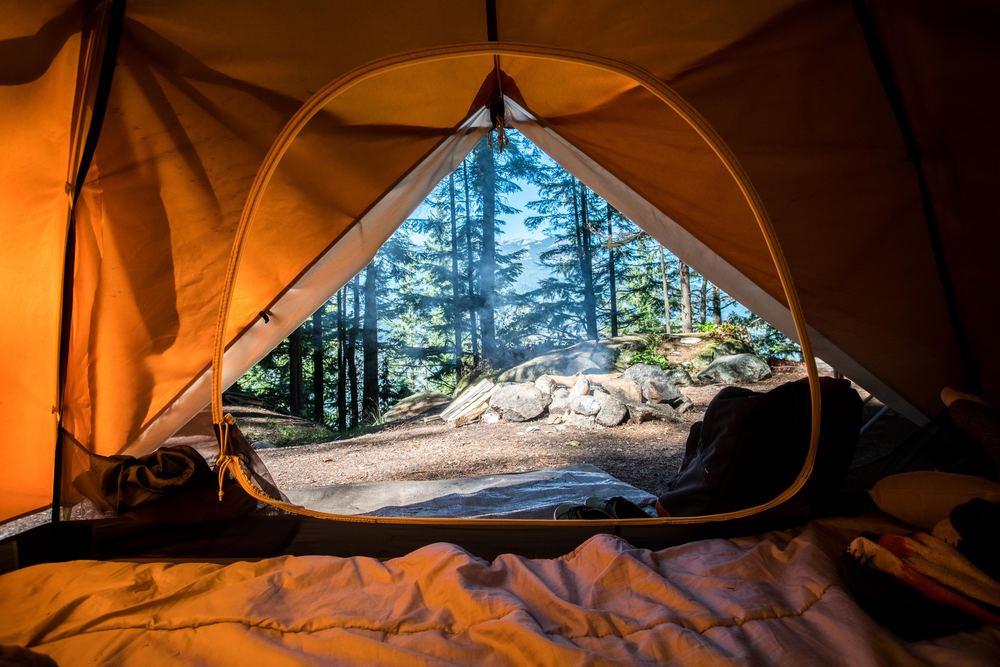 På campingtur i den tidiga våren